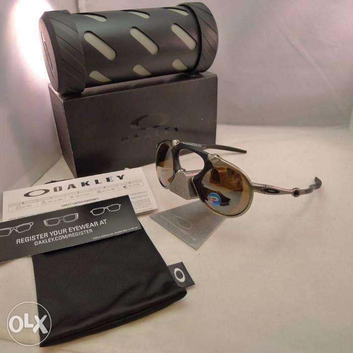 0e2abdf9301c3 Bnew Authentic Oakley Madman Plasma Tungsten sunglass LV prada gucci ...
