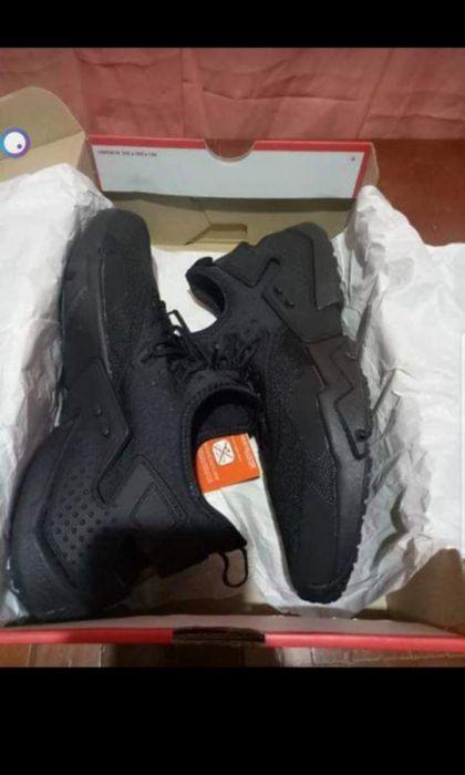 autentyczna jakość 50% ceny sprzedawca detaliczny Brandnew Nike Huarache drift triple black in Pasay, Metro ...