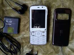 nokia n79 orignal impot uk condition 10/10 with chargr handfree
