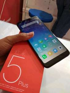redmi 5 plus ram 4gb 64gb mulus