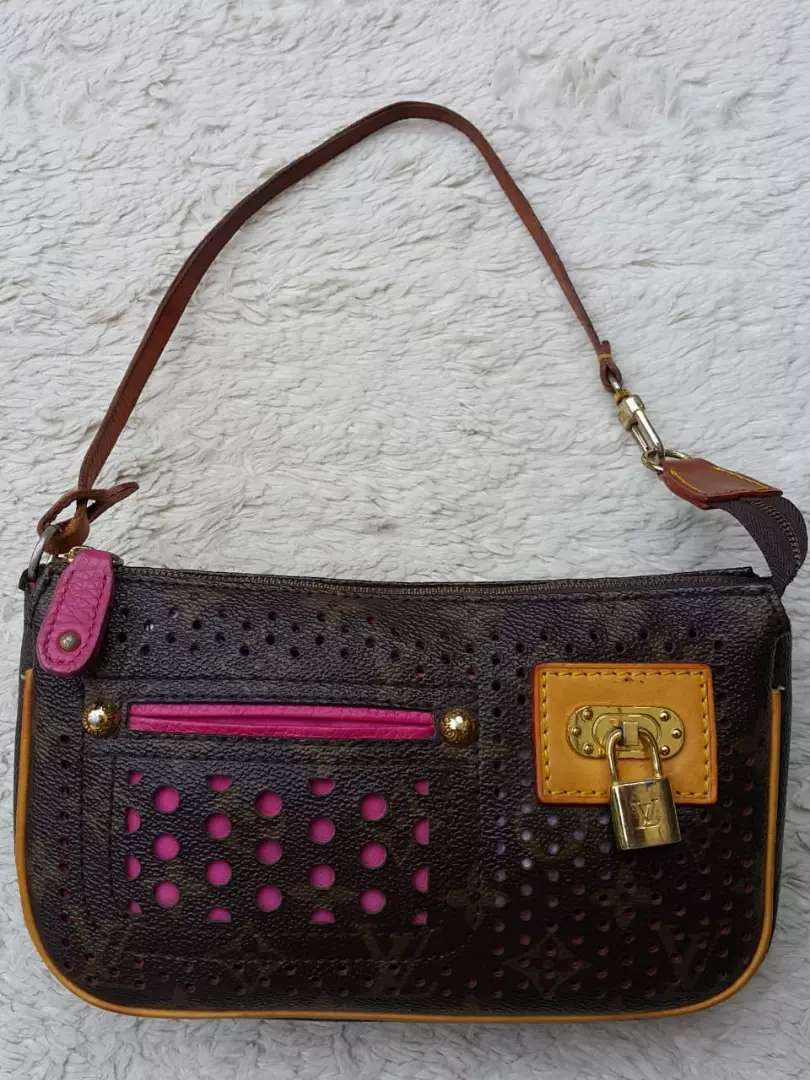 Images For Louis Vuitton Made In France >> Tas Import Eks Louis Vuitton Paris Made In France Pochette