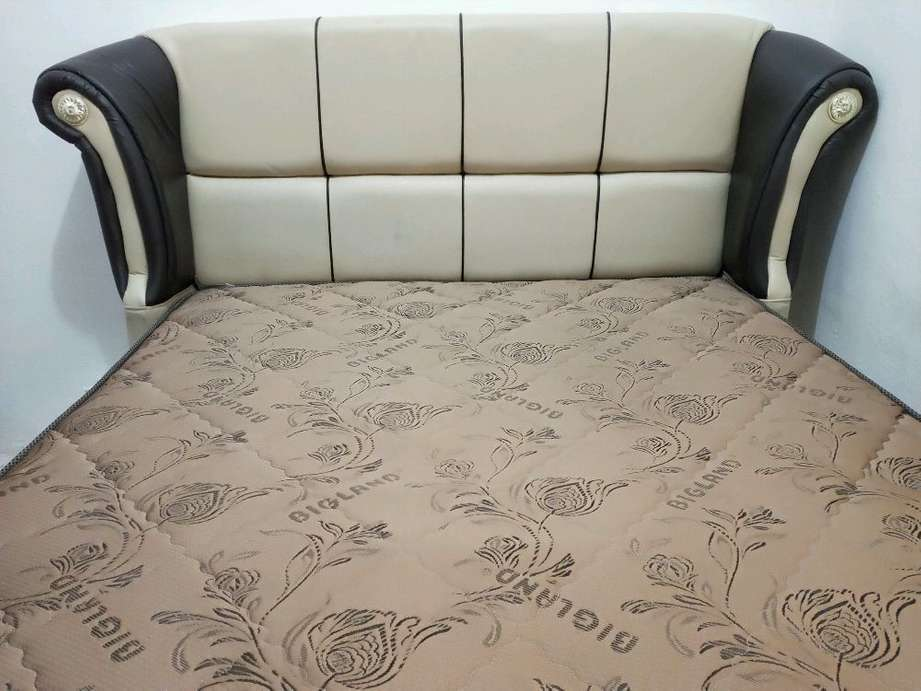 1set Spring Bed merk BIG LAND ukuran 160cm x 200cm warna Cokelat