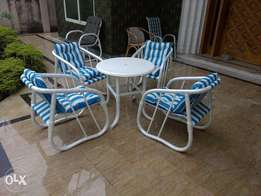 beautiful garden chairs with small garden table use in these dayz