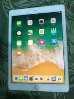 iPad Air 2 Gold 16GB with..., used for sale  Ahmedabad