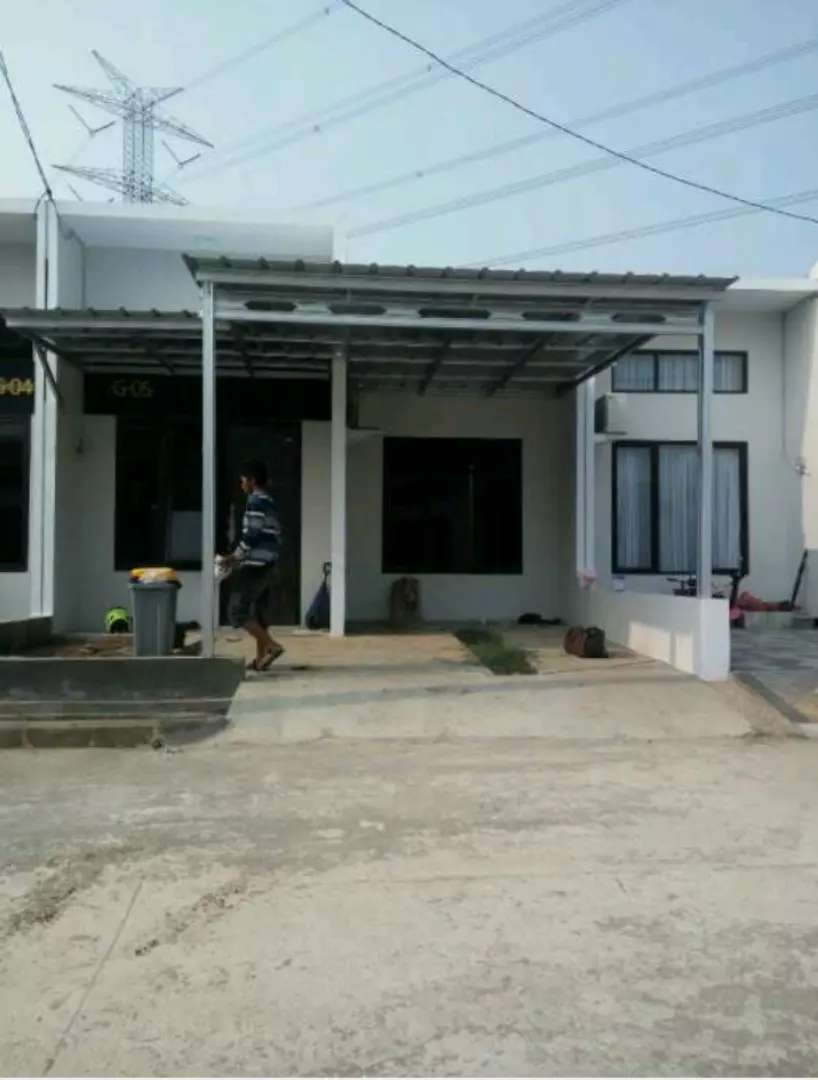 Garasi Mobil Mewah Konstruksi Dan Taman 758440003