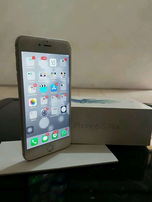 Tampilkan gambar. Close  x . jual Apple iPhone 6s+ 64GB White Silver mulus  ... 84b60d7595