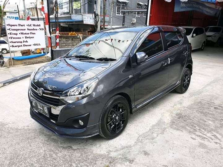 for SALE AYLA 1.2 R Deluxe Matic 2018