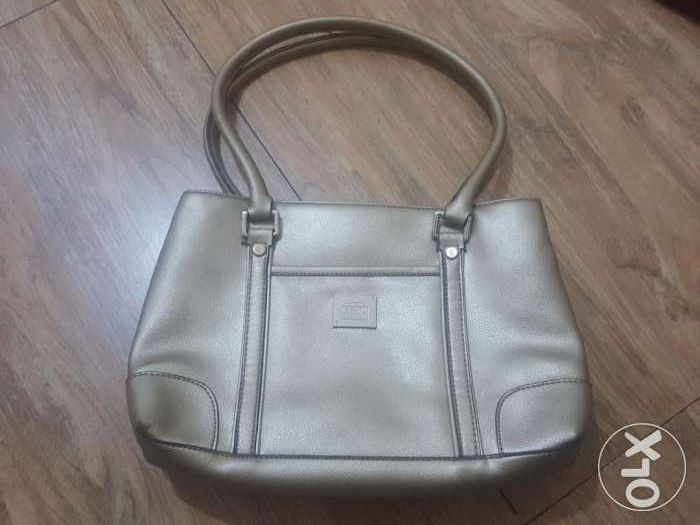 f35381c34d Liz Claiborne shoulder bag in Marikina