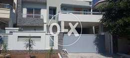 i-8.outclass loction avalabel for rent