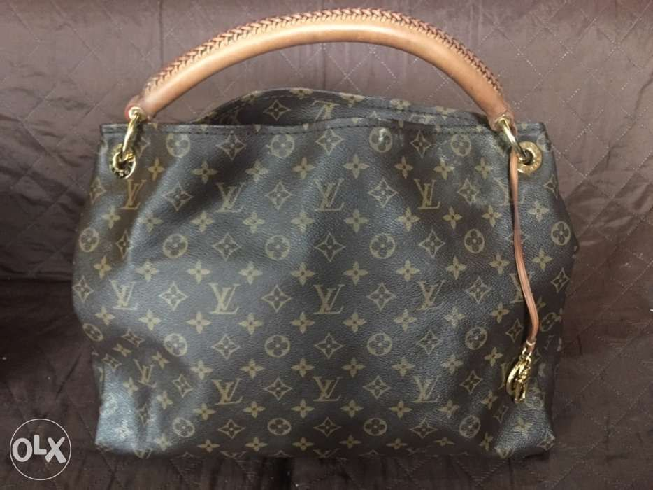 38f234663c93 Original Preloved Bags For Sale! in Caloocan