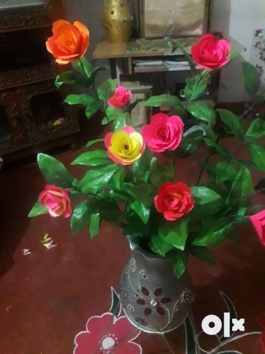 Hand work red and yellow paper rose flower diy arrangement show only image mightylinksfo