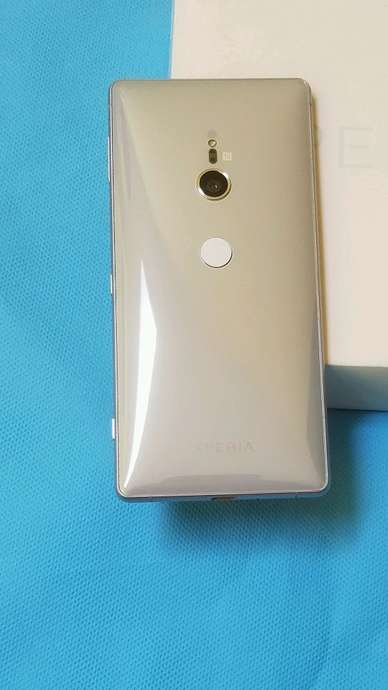 Sony xperia XZ2 LIKE NEW mulus normal no minus snapdragon 845