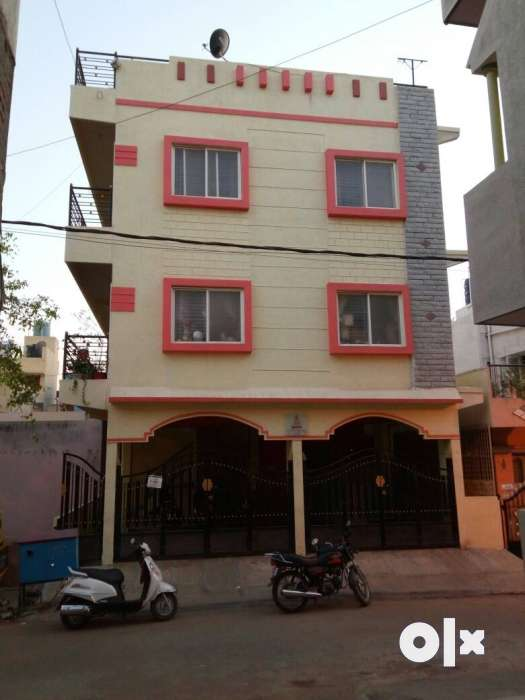 2nd floor 2 BHK close to shopping, bustand ..24 Hosakerehalli, Bengaluru