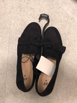 Sepatu H Jual Sepatu Sandal Terbaru Di Indonesia Olx Co Id