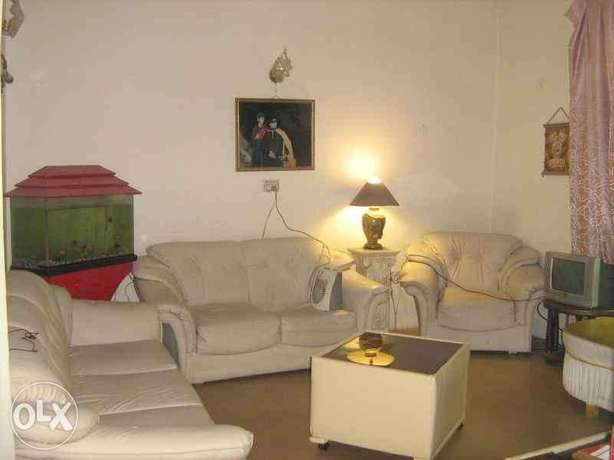 beautiful 2 beds upper portion for rent