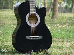 black acoustic branded - smooth action sound full ok All colours