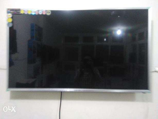 53 inch LCD tv FHD Samsung Series B70 first class month end offer