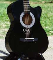 black Acoustic guitar 100% Perfect sound best for learning salle offer