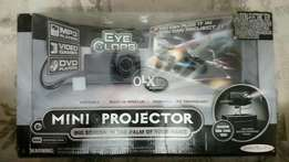 Limited offer 5 mini projectors in very cheap price.
