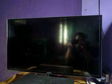 led tv Samsung 32 inch like new