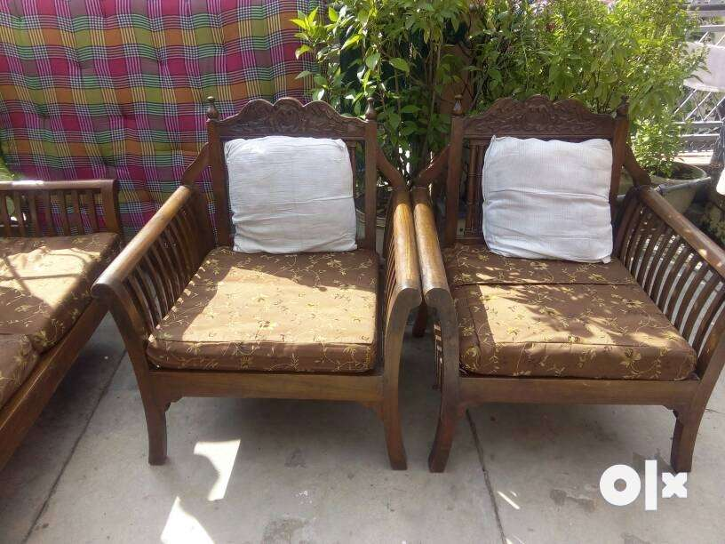 A 5 Seat Wooden Sofa Set With Gadi Kushan Year Delhi Furniture