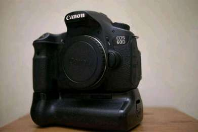 Canon 60d second (body only) banyak bonus