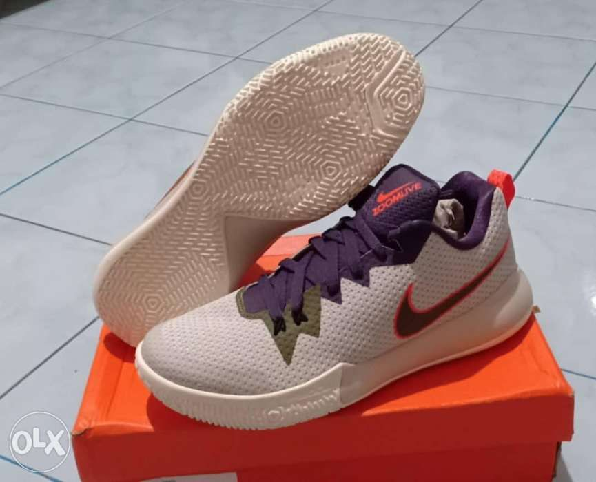 28c727cd0b5c Legit Brand new Nike Zoom Live II size 8 US Men basketball sneakers ...