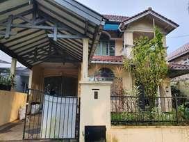 Rumah Dalam Komplek Besar Perum Telaga Kahuripan Parung Bogor