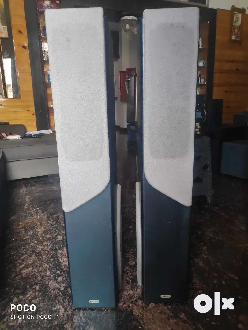 BMB tower speakers with inbuilt woofer ( made in japan ...