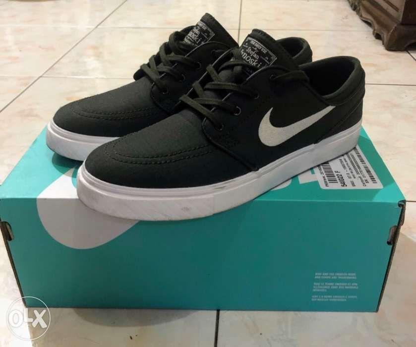 8bb2cd99c3b4 Nike SB Zoom Stefan Janoski Canvas in Makati
