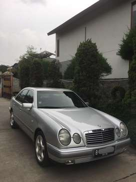 Jual New Eyes Mobil Bekas Mercedes Benz Murah Cari Mobil Bekas Di Indonesia Olx Co Id