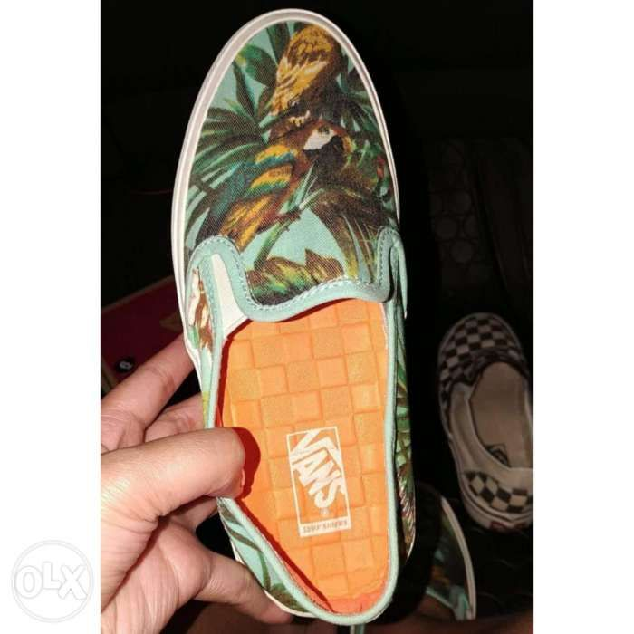 a553552c75 Vans Comina Womens Sneakers Shoes Size 6 in Quezon City