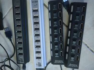USB Hub 10 Port dan 7 Port ada on-off switch dan adaptor.