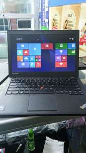 Nb Lenovo Thinkpad X240 Core i5 Ram 4 Gbb Hdd 500 Gb Layar 12 inc slim
