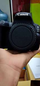 camera DSLR canon eos 200d