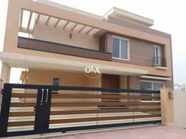 Prime location 1kanal 5bedroom brand new house for(sale)in bahria