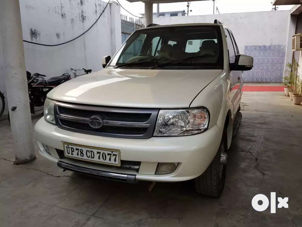 tata safari dicor white