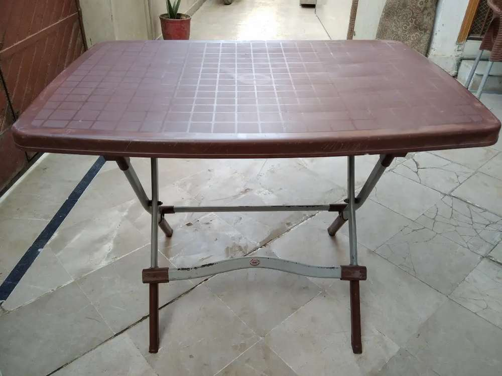 Boss Plastic Table With Iron Frame Tables Dining 1020137621