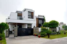 """F11-stylish Ground Portion 600sqY Saprate Gate Prime Location 3Bed S""""Q"""