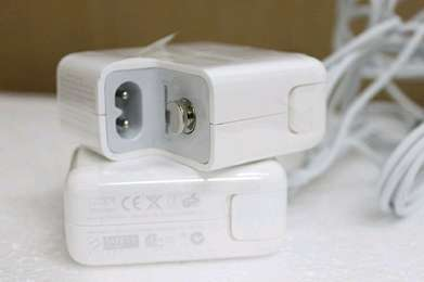 MacBook power adapter