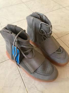 new product 8663a c94d1 Yeezy - Men Fashion Items for sale in India | OLX