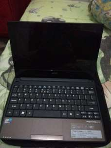 dijual note book intel atom acer aspire one windows 7.