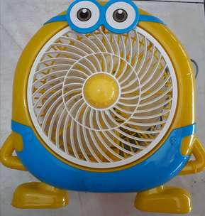 kipas angin box minion 10""
