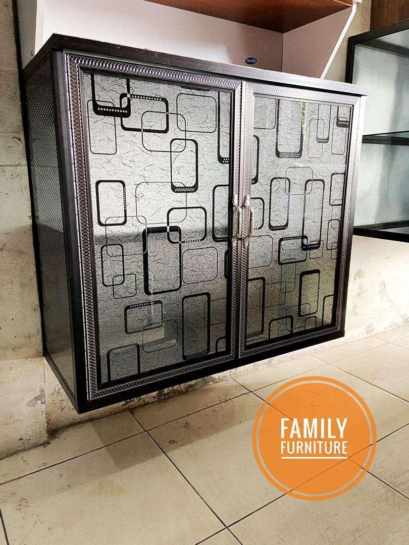 Lemari Dapur Gantung Aluminium Kaca Minimalist Dua Pintu Mebel 783466175