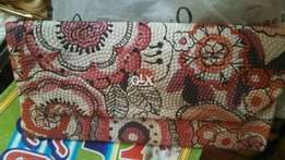 Hand Bags Pers Lot