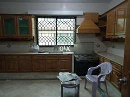 F11 beautiful 600sqy 5 bed 2kitchen marble floor, lawn with real pics