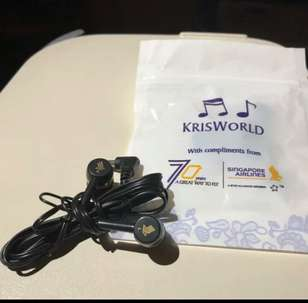 headset singapore airline super bass