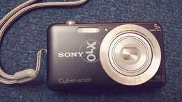 sony camera 16.1 mega pixcels brand new DSC-w710 1 day used