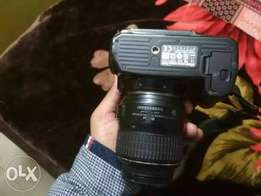 Nikon D3000 camera with charger, carry bag nd 4