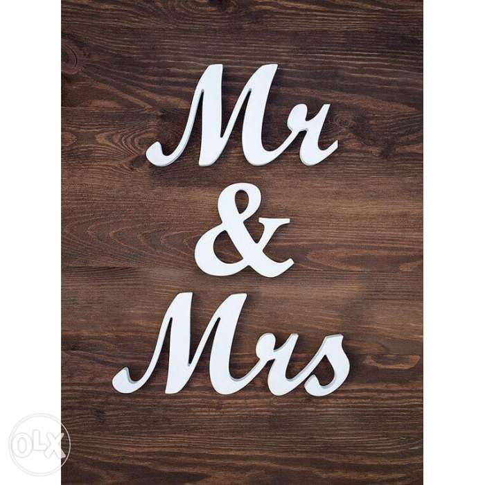 mr and mrs wedding wood letter standee display